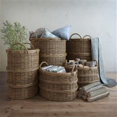 一组静物箩筐等等 Basket with handles