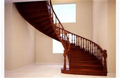 实木弧形楼梯