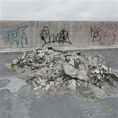 废弃石料 碎石建筑物残骸